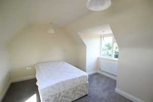 3 Rooms inclusive of bills – Himbleton Road
