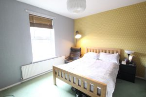 1 Room inclusive of bills – Middle Road