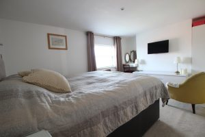 1 Rooms inc.bills – Bransford road