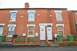 5/6 rooms inclusive of bills-Blakefield Road