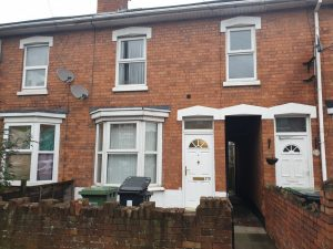 4 Bedroom Professional House Share